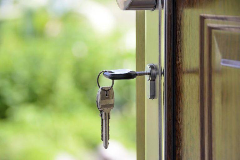 Kiedy skorzystać z usług biur nieruchomości?