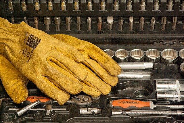 W jaki sposób można wybierać rękawice robocze?