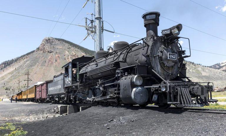 Nowoczesne i bezpieczne systemy sterowania ruchem kolejowym